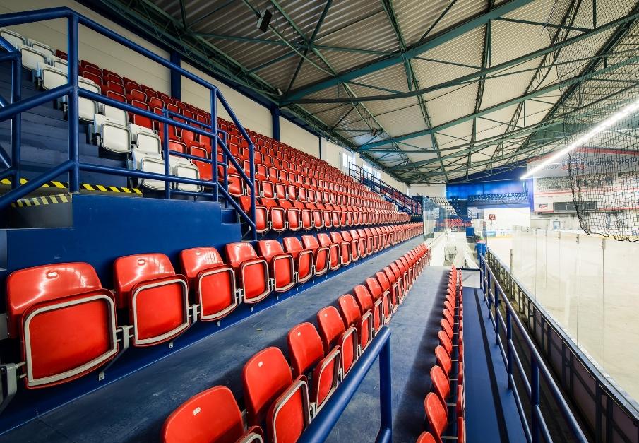 sklopné sedadlá na štadióny prostar 20
