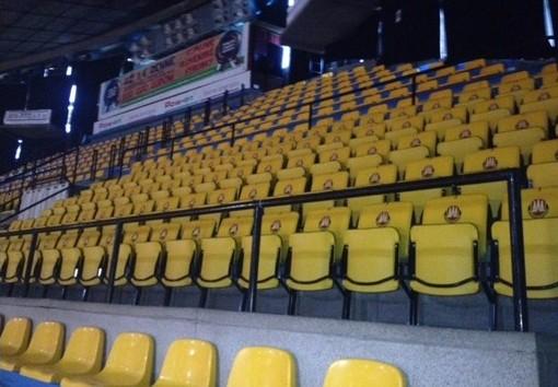 sedačky pre tribúny prostar 2